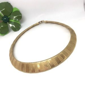 Vintage thick choker gold plate necklace. Collar